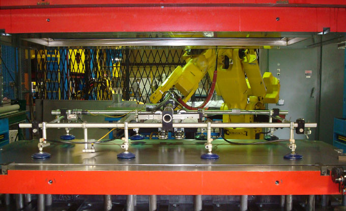 photos and videos Vi-Cas Manufacturing Ergonomic Lifter Robot Application